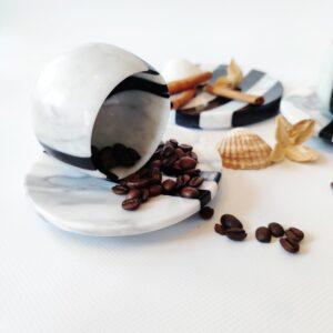 Filiżanka z marmuru Bianco Carrara & Nero Marquina do espresso