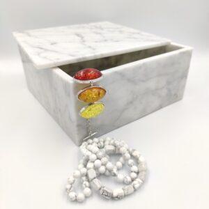 Taca, szkatułka z marmuru Bianco Carrara 22x22cm