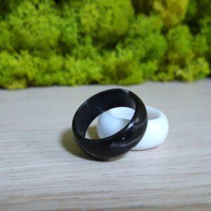 Obrączka pierścień z marmuru Nero Marquina