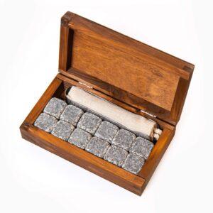 Cubitos de bebida de piedra 12 uds. Embalaje de madera oscura y elegante.