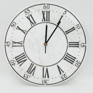 Reloj de pared de mármol Bianco Carrara, 30 cm, índice romano negro