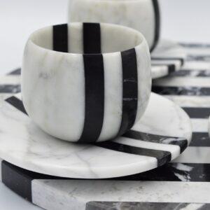 Servicio de espresso de mármol Bianco Carrara y Nero Marquina