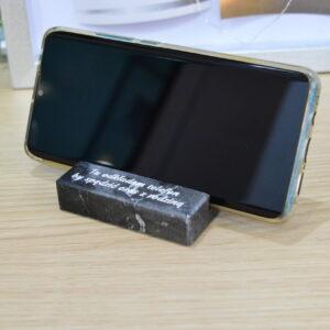 Soporte para teléfono de mármol Nero Marquina Engraver