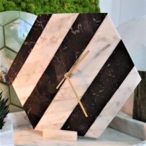 Zegar ścienny z marmuru Carrara & Marquina heksagon 30 cm