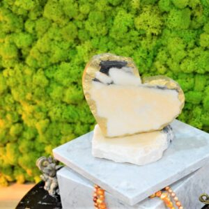 Serduszko dekoracyjne z marmuru Rose Portogalo