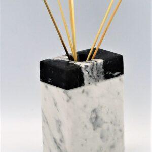 Dyfuzor zapachowy z marmurem Bianco Carrara i Nero Marquina