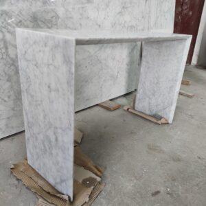 Konsola z marmuru Bianco Carrara