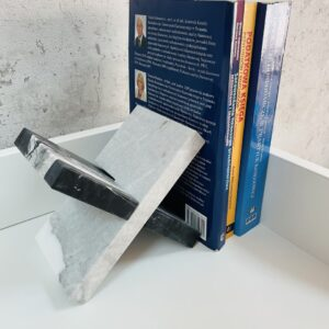 Podpórka do książek marmur Bianco Carrara i Nero Marquina