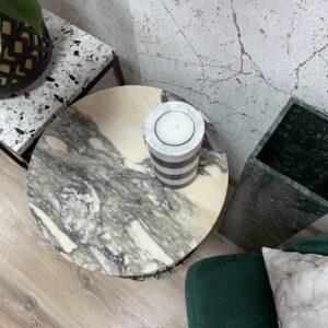 Świecznik z marmuru Carrara & Marquina