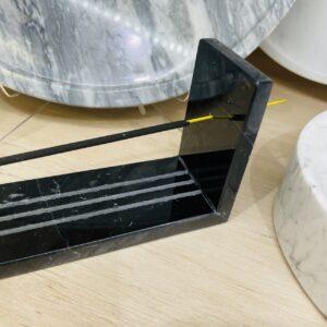 Podstawka na kadzidełka z marmuru Nero Marquina