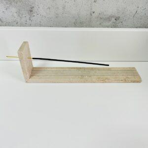Podstawka na kadzidełka z beżowego marmuru