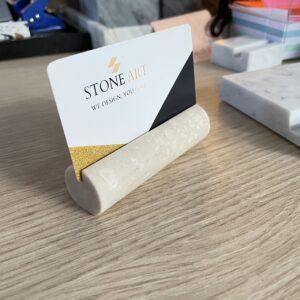 Marmurowy wizytownik Crema Marfil wałek 9cm x 2,5cm