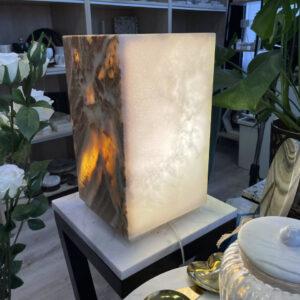 Lampa z Onyksu marmurowego