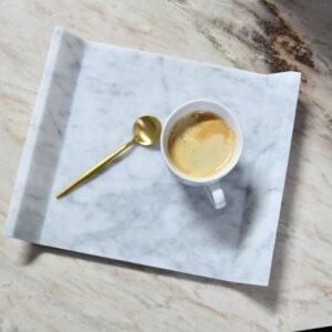 Taca do serwowania z marmuru Bianco Carrara